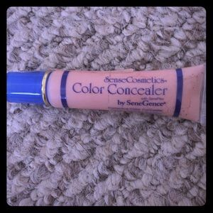 Color correcter concealer in natural by makesense